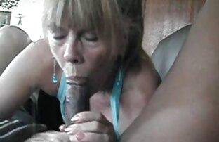Eine Hahal-Pumpe für den Mund einer Mutter ist die Blondine und drehte reife erfahrene frauen sie sanft