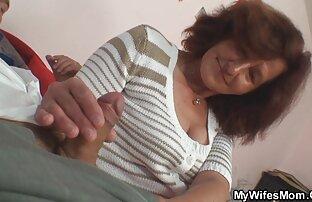 Nach dem Bad, eine Frau mit einem reife frauen erotik Handtuch an der Spitze für eine