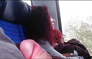 Kahle, schwarze deutsche alte weiber pornos Mädchen in einer hand,