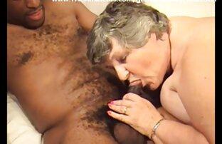 Frau in Strümpfen sex mit reifen sex einem Liefermann und großen Titten