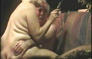 Chiksa mit kurzen Haaren und Pony gerade Saugschrauben, entfernen nacktbilder reife frauen und entfernen Sie die Schale auf dem Befehl