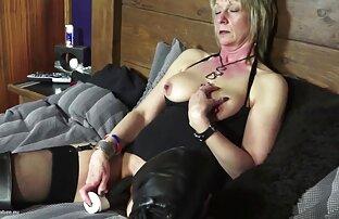 Milf entspannen im reife deutsche frauen beim sex Bett mit einem Spaß